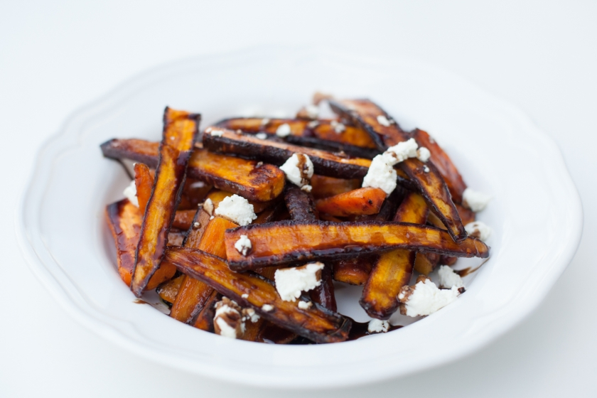 ROASTED CARROTS WITH A BALSAMIC AND MAPLE SYRUP REDUCTION