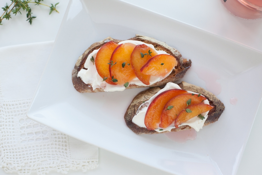 ROSE CHILLED PEACH TARTINES WITH MASCARPONE AND FRESH THYME