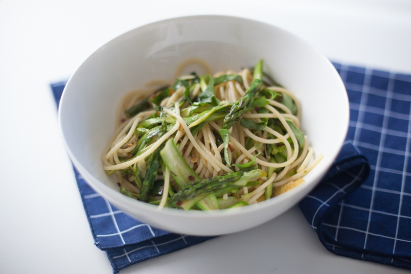 PASTA WITH ZUCCHINI, ASPARAGUS, BASIL, GARLIC AND RED PEPPER FLAKES
